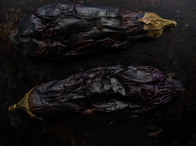 baba ghanoush aubergines