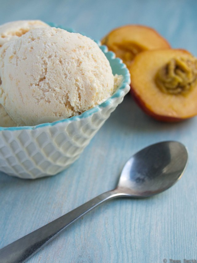 Nectarine and mascarpone ice cream